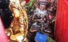 Inserción de estatuas de yidam