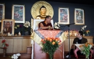Thinley Rimpoché traduce a Khempo Chodrak Rimpoché al francés.