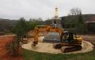 Les travaux d'aménagement de l'espace autour du stoupa ont commencé!
