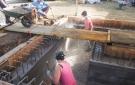 Realización de una forma en piedra calcárea (vertido entre los recintos)