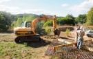 Comienzo de excavación de los cimientos (realización de la excavación)