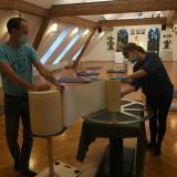 Confection des rouleaux de mantras d'un mètre de diamètre au centre Diamond Way de Graz