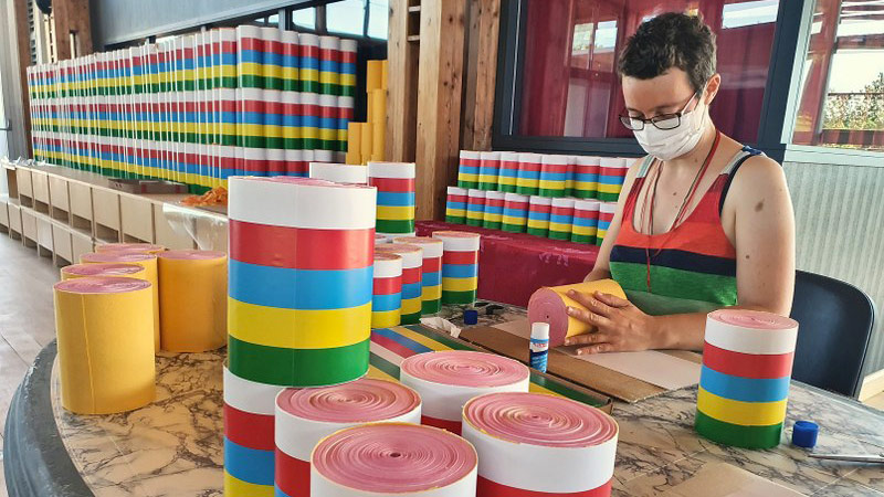Confection des rouleaux de mantras